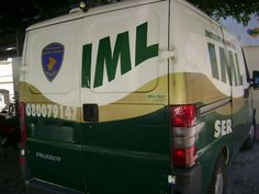O  IML - Instituto Médico Legal De Sergipe entre a sexta-feira, 13, e a madrugada desta segunda-feira, 16,  resgatou 13 corpos no estado. A maioria deles é de vítimas de homicídios: sete. Outros cinco foram de vítimas de acidentes de trânsito e um por afogamento.  Ainda permanecem sem identificação os corpos de dois homens que foram assassinados. Um deles foi assassinado a golpes de arma branca na cidade de Estância no sábado, 14, e o outro foi morto a tiros no domingo, 15, no bairro Santa…