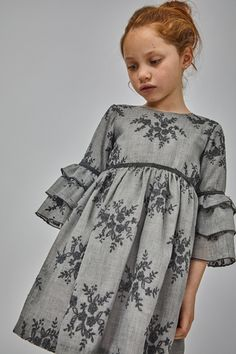 Fashion Tips Teenage Coleccin Cute Little Girl Dresses, Stylish Dresses For Girls, Frocks For Girls, Toddler Girl Dresses, Girls Dresses, Girls Frock Design, Baby Dress Design, Kids Dress Wear, Kids Dress Patterns