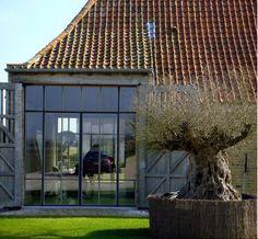 www.jefvanlooveren.be Projecten - Jef Van Looveren - Bouwsmederij - Zoersel stalen deuren-ramen-trappen-beslag-keukens,.. / steel doors - windows - stairs - kitchens, ...