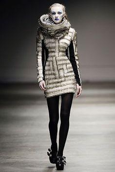 Gareth Pugh Autumn/Winter 2008 Ready-To-Wear Collection | British Vogue