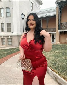 Her soul is fierce, her heart is brave, her mind is strong. Curvy Girl Outfits, Cute Casual Outfits, Chic Outfits, Plus Size Outfits, Fashion Outfits, Big Girl Fashion, Curvy Fashion, Plus Size Fashion, Off White Fashion