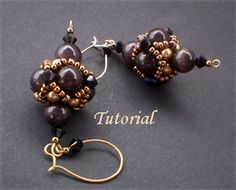 Material you need for this Beaded bead earrings: pearls 8 mm, pearls 4mm, Swarovski bicones 4mm, seed beads size 8 & 11, earrings pin and earrings wire.