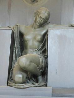 Statua Cimitero Monumentale di Staglieno Genova
