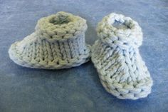The Loom Muse Creations and Ideas: Basic Bootie Pattern with Sizing from Newborn to Adult