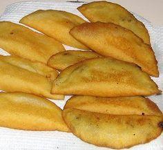 columbian empanadas i love these Mexican Food Recipes, Snack Recipes, Cooking Recipes, Snacks, Tortillas, Venezuelan Food, Venezuelan Recipes, Breakfast Desayunos, Pancakes