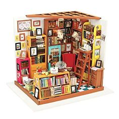 "Miniature ""Book Store"" room box - great detail!!!"