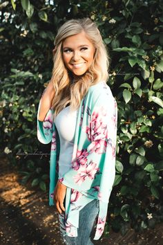 We love spring vibes & this mint floral kimono is just that! $42 + FREE shipping! http://ss1.us/a/aGSMoPoA