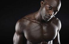 Les pectoraux, les fameux pecs, sont les muscles que les hommes chouchoutent le plus avec les abdos et les bras. Voici comment les muscler en 9 semaines.