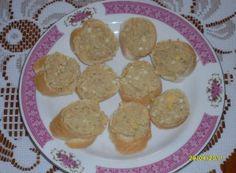 Jedna z velmi oblíbených pomazánek. K tomu čerstvé pečivo. Muffin, Cookies, Breakfast, Desserts, Food, Author, Crack Crackers, Morning Coffee, Tailgate Desserts