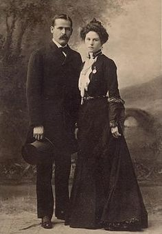 Harry Alonzo Longabaugh (1867  c. November 6, 1908), better known as the Sundance Kid, was an outlaw and member of Butch Cassidys Wild Bunch, in the American Old West. He is pictured here with girlfriend Etta Place.
