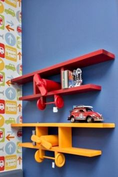 shelves for plush animals Wooden Projects, Wooden Crafts, Diy And Crafts, Diy Projects, Woodworking Plans, Woodworking Projects, Wood Toys, Kids Decor, Playroom Decor