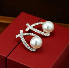 2017 Fashion Gold Crystal Stud Pearl Earrings Brincos Perle Pendientes For Women #Fashionstrend #StudEarrings