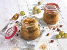 Mild-fruchtiges Relish aus frischen Stachelbeeren, Zwiebeln und Rosinen!