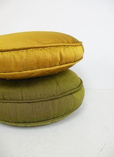 Pair of Vintage Round Satin Throw Pillows // Green Golden Yellow // 50s 60s Decor on Etsy, $38.00