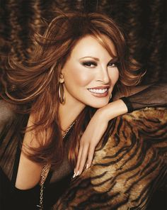 FOX NEWS: Raquel Welch talks working with Robert Wagner meeting Elvis Presley and Frank Sinatra Rachel Welch, Jennifer Aniston Hot, Timeless Beauty, Vintage Beauty, Classic Hollywood, Hollywood Stars, Film, Beautiful Actresses, Red Hair