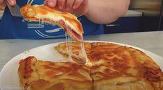 Αυτό το απόγευμα προγραμμάτισε να φτιάξεις αυτή την υπέροχη πραγματικά πίτα! Γίνεται εύκολα και σε ελάχιστο χρόνο, αφού περιέχει υλικά που σίγουρα έχεις στην κουζίνα σου! Τα παιδιά θα ξετρελαθούν! Η συνταγή είναι από το κανάλι Waffles, Pancakes, Greek Recipes, Finger Foods, Cauliflower, Pie, Lunch, Dinner, Vegetables