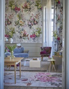 Living Room Inspiration | How beautiful is this floral wallpaper? It's so colourful & refreshing! It certainly brightens up this living space... Repin if you LOVE this!