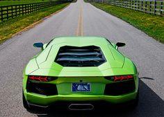 Verde Ithaca Lamborghini Aventador LP700-4