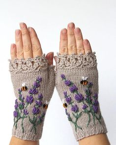 Beige Gloves With Lavender Knitted Fingerless Gloves Embroidery Lavender Bees Beige Mittens Clothing and Accessories Gloves & Mittens Lace Gloves, Knit Mittens, Diy Tricot Crochet, Crochet Lace, Fingerless Gloves Knitted, Crochet Gloves, Hand Knitting, Lace, Lavender