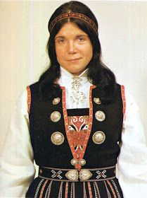 Hello all, Today I will cover the last province of Norway, Hordaland. This is one of the great centers of Norwegian folk costume, hav. Folk Costume, Costumes, Traditional Outfits, Norway, Culture, Embroidery, Fashion, Hardanger, Hipster Stuff