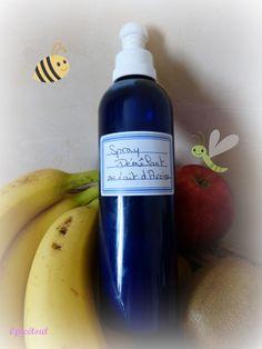 """Amélie Epicétout : Un démêlant naturel pour les bouclettes de Chouquette - Le matos pour un flacon de 200 ml: - un """"pshiiit-pshiiiit"""" vide et nettoyé (moi je garde ceux de mes eaux florales, ils sont hyper pratiques) - 2 cuil à soupe de flocons d'avoine - 200 ml d'eau minérale - 1/2 cuil. à café d'huile de jojoba (ou du gel d'aloe vera) - 20 gouttes Extrait de Pépin de Pamplemousse"""