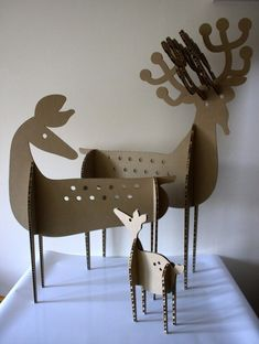 DIY Cardboard deer family by Shell Thomas Cardboard Animals, Cardboard Toys, Diy Paper, Paper Art, Paper Crafts, Holiday Crafts, Christmas Crafts, Christmas Decorations, Xmas Deco