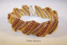 Hey, I found this really awesome Etsy listing at https://www.etsy.com/listing/81914895/bracelet-beaded-bracelet-metallic-mixed