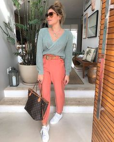 Casual Chic Outfits, Lazy Day Outfits, Style Casual, Casual Looks, Fashion Outfits, Sporty Style, Color Blocking Outfits, Happy Hour Outfit, Urban Fashion