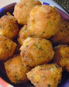 Recipe for Loaded Mashed Potato Bites - Have left over mashed potatoes? Make these yummy Loaded Mashed Potato Bites. These are everything you love about a loaded baked potato!