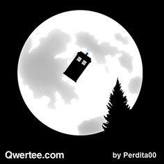 """Qwertee shirt """"dr.moon"""""""