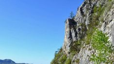 ▷ Wandern: Miesweg am Traunsee-Ufer - Bergwelten Wanderlust, Outdoor, Tours, Hiking, Places, Traveling, Nice Asses, Outdoors, Outdoor Games