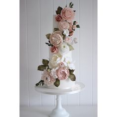 A new 4 day sugar floral cascade cake class has been added to the website for the autumn. Learn how to make a variety of sugar flowers and…