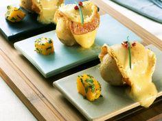Klasse Rezept für Käseliebhaber mit wenig Zeit: Gebratene Käsekartoffeln mit Kürbiswürfel   http://eatsmarter.de/rezepte/gebratene-kaesekartoffeln-mit-kuerbiswuerfel
