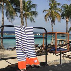 Handgeweven strandlakens, speciaal gemaakt voor www.buddha-ibiza.nl in Marokko. Verkrijgbaar in verschillende dessins, 100% cotton, shop online.