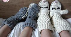 Crochet Slippers Socks Diy Crafts 57 Ideas For 2019 Crochet For Beginners, Crochet For Kids, Diy Crochet, Crochet Boots, Crochet Slippers, Baby Blanket Crochet, Crochet Baby, Baby Boutique Clothing, Crochet Classes