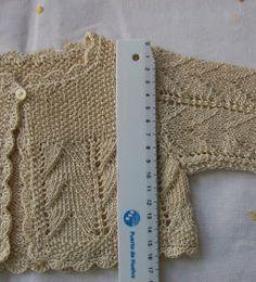 Knitting For Kids Cardigans Infants Ideas Crochet Baby Jacket, Baby Afghan Crochet, Loom Patterns, Baby Knitting Patterns, Knitted Blankets, Blanket Yarn, Spanish Baby Clothes, Crochet Socks Pattern, Crochet For Beginners Blanket