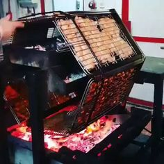 Shut up and take my money – Gif Funny Fire Cooking, Outdoor Cooking, Grilling Tips, Grill Design, Skirt Steak, Bbq Grill, Food Truck, Street Food, Food And Drink