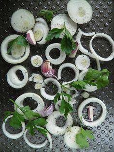 sio-smutki! Monika od kuchni: Pstrąg tęczowy w marynacie ziołowej pieczony na cebuli Maki, Fruit