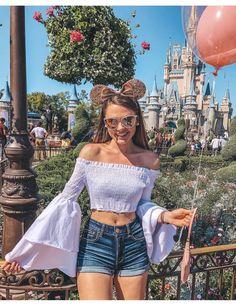 Disneyland Photos, Disneyland Outfits, Disneyland Outfit Summer, Disney Instagram, Photo Instagram, Instagram Fashion, Cute Disney Pictures, Disney World Pictures, Disney Poses