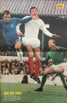 Chelsea 3 West Brom 1 in Aug 1968 at Stamford Bridge. Tommy Baldwin jumps with John Talbut #Prem