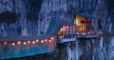Restaurant near Sanyou Cave above the Chang Jiang River. Hubei, China