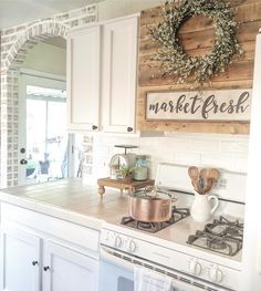 Love this curved faux brick wall! Farmhouse Table, Farmhouse Decor, Kitchen Dining, Kitchen Decor, Kitchen Ideas, Dining Room, Faux Brick Walls, House Rooms, Interior Design Living Room