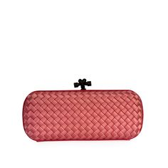 This stunning Bottega Venetta clutch is a unique and sophisticated piece which will speak for itself amongst the crowd.  ITEM CONDITION: Pre-owned – Very good condition.  SUPPLIED WITH: This item is supplied with its original Bottega Venetta dust bag.  SIZE: (Length) 26 cm x (Height) 13 cm x (Width) 4 cm  INTERIOR: Very good condition – With normal signs of use.  EXTERIOR: Very good condition – Shows normal signs of wear an light scuffing on the corners and base. Louis Vuitton Damier, Crowd, Knots, Dust Bag, Coin Purse, Exterior, Base, Wallet, Signs