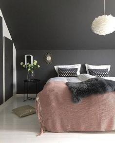 The gorgeous bedroom of @jorunn_ls 👈🏻 Good night all ✨ . #bedroom #bedroomdecor #nordichome #nordicinspiration