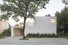 Gallery of Newman House / Nicolás Pinto da Mota, Victoria Maria Falcon - 17