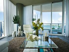 When I move to Miami I would appreciate a living room view like this .. Please!