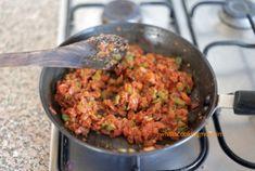 Mumbai Street Food, Thai Street Food, Indian Street Food, Curry Recipes, Snack Recipes, Cooking Recipes, Bread Recipes, Indian Snacks, Indian Food Recipes