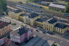 Šumperk - vlakové nádraží foto: šumpersko.net Mansions, House Styles, Home Decor, Pictures, Mansion Houses, Homemade Home Decor, Manor Houses, Fancy Houses, Decoration Home