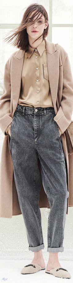 Fall 2021 RTW Brunello Cucinelli Bruno Cucinelli, Perfect Jeans, Olivia Palermo, Casual Looks, Blue Denim, Fall Winter, Capes, Chic, Blouse