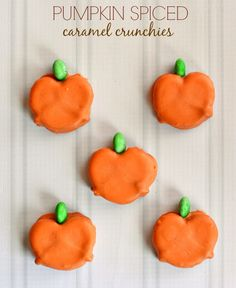 Pumpkin Spiced Caramel Crunchies #Recipe #WiltonTreatTeam #Halloween #Pumpkin